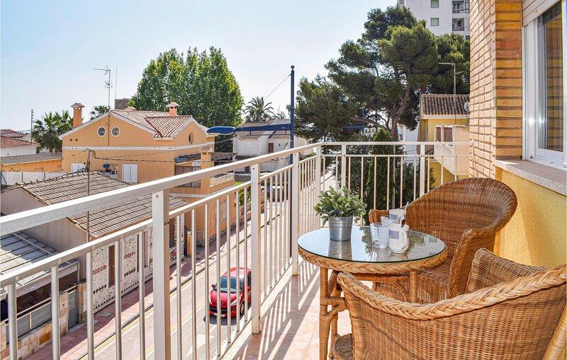 Amazing apartment in San Javier with Internet and 3 Bedrooms (ECC911), aluguéis de temporada em Santiago de la Ribera