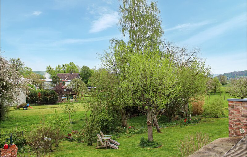 Beautiful apartment in Bad Pyrmont with WiFi and 1 Bedrooms (DWE016), holiday rental in Hämelschenburg