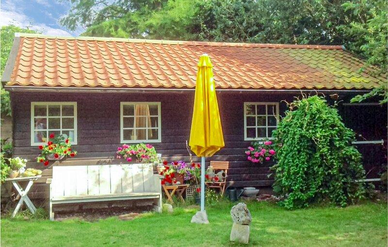 Garden Cottage (HNH617), holiday rental in Alkmaar