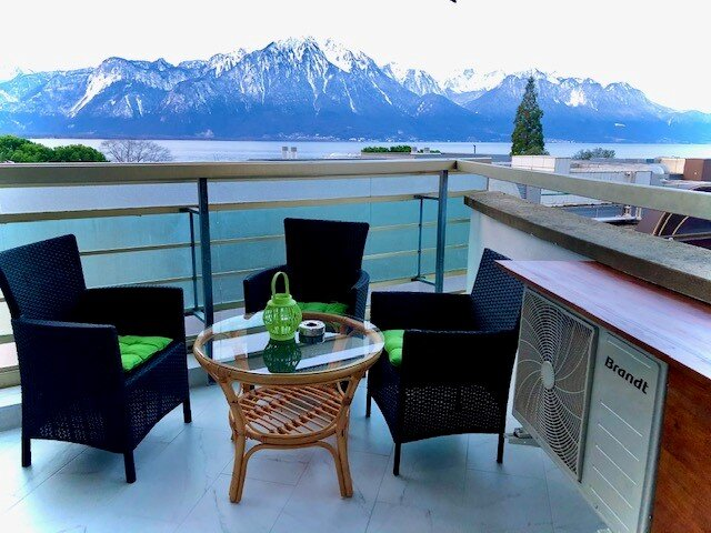 12. Beautiful Lakeview - mountain,   modern, spacious apartment, large  balcony,, holiday rental in Chatel-Saint Denis