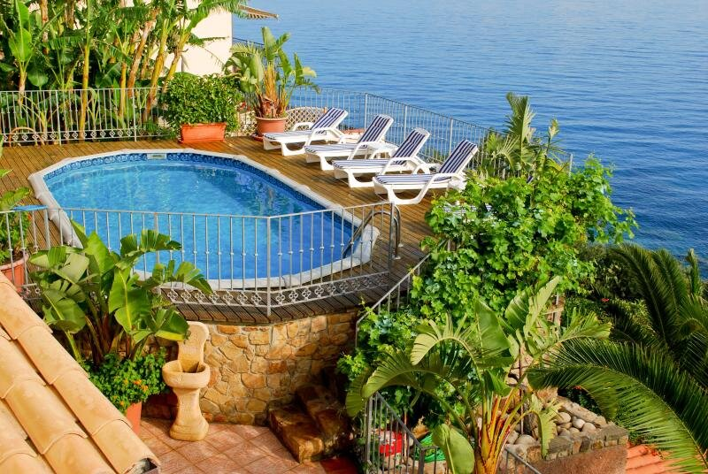 Villa Mara, private pool and spectacular sea views, holiday rental in Finale