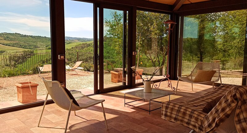 Mandorlo, Family friendly holiday house with pool, holiday rental in Collelungo