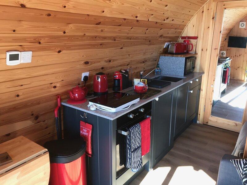 Waternish Pods, holiday rental in Hallin
