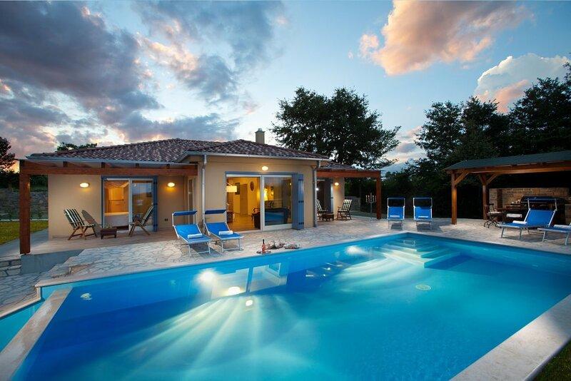 Villa PRINCIPE, holiday rental in Zavrsje