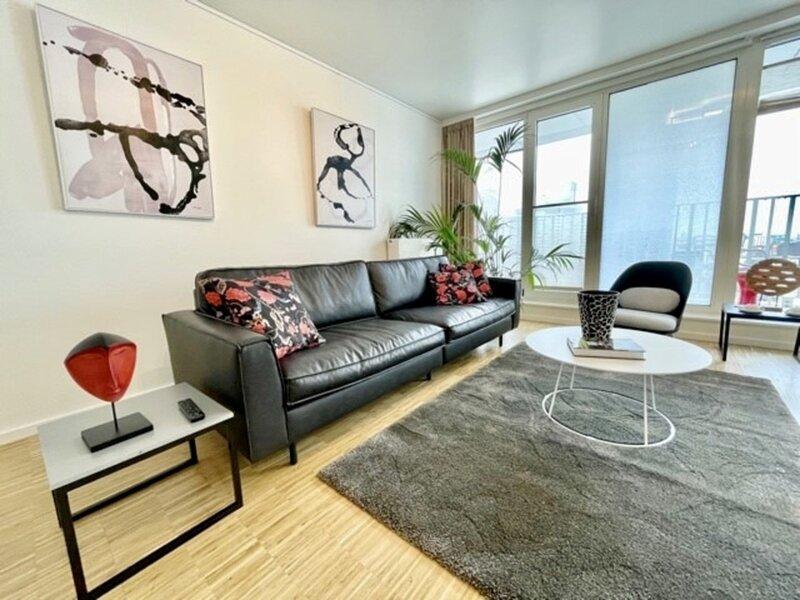 R213 Deluxe Residence w/ Terrace, alquiler de vacaciones en Laken