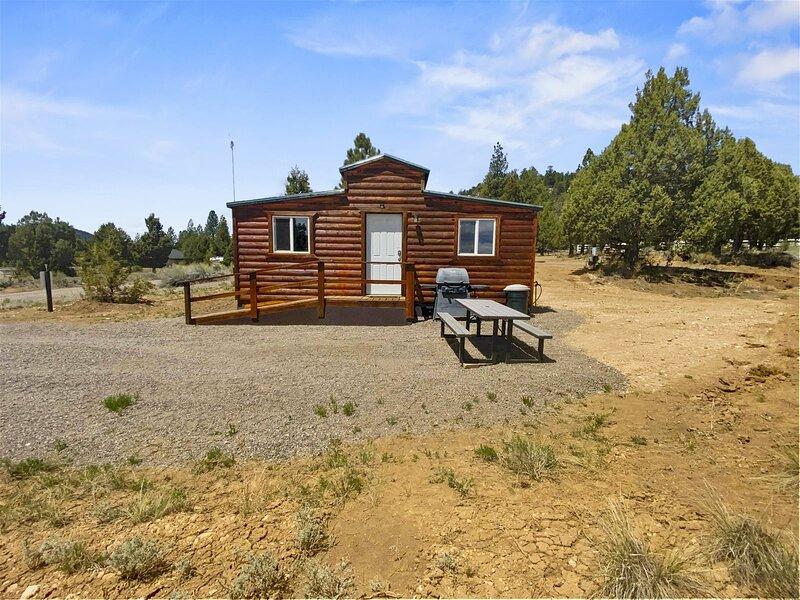 Knotty & Nice Cabin, location de vacances à Hatch
