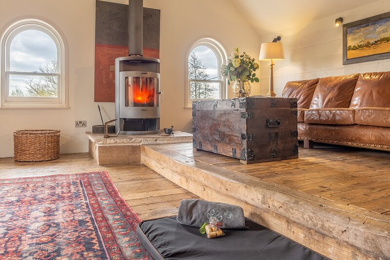 Luxury rustic mill cottage in historic country estate - Belchamp Hall Mill, holiday rental in Wickham St Paul