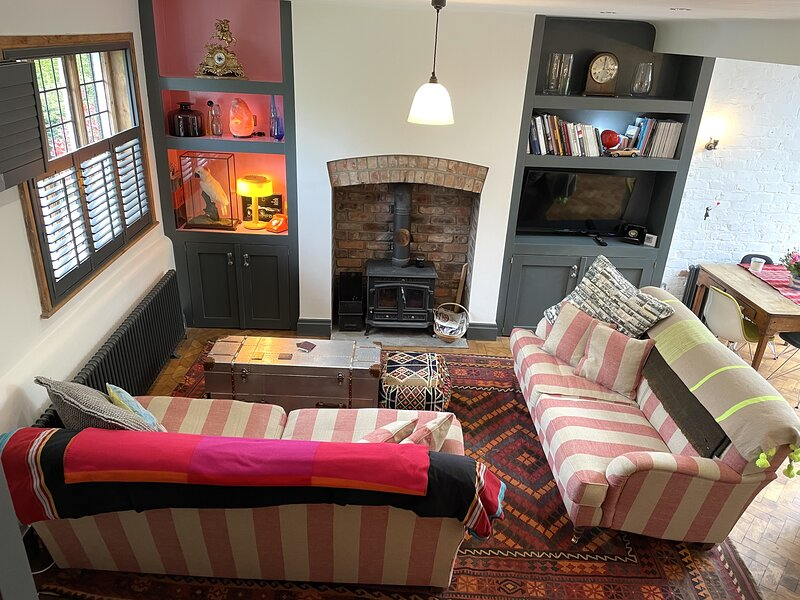 Charming 2-Bed Cottage in Historic Lathom Ormskirk, holiday rental in Wigan