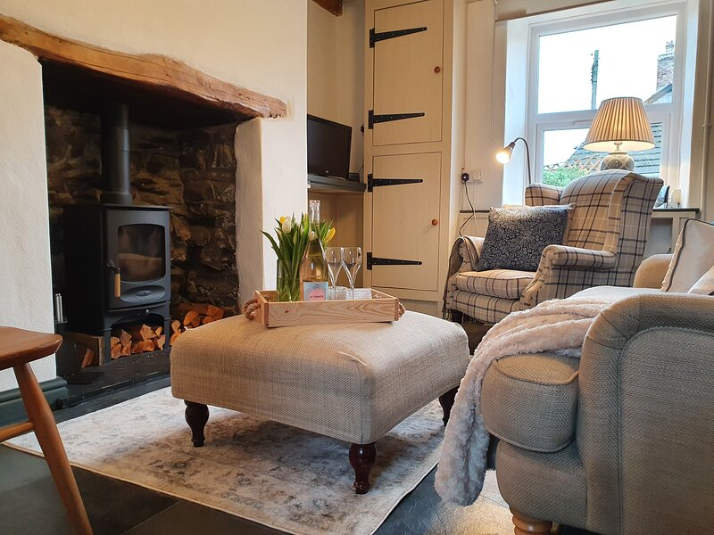 Cosy Cottage in heart of Llangollen, holiday rental in Glyn Ceiriog