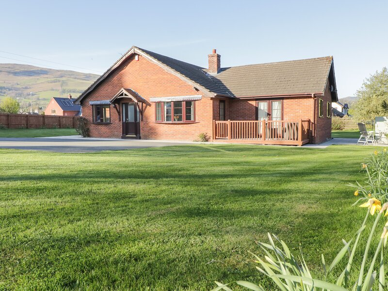Dol Y Bont, Penybontfawr, holiday rental in Llanfihangel-Yng-Ngwyfa