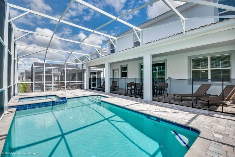 Pool,Water,Building,Architecture,Swimming Pool