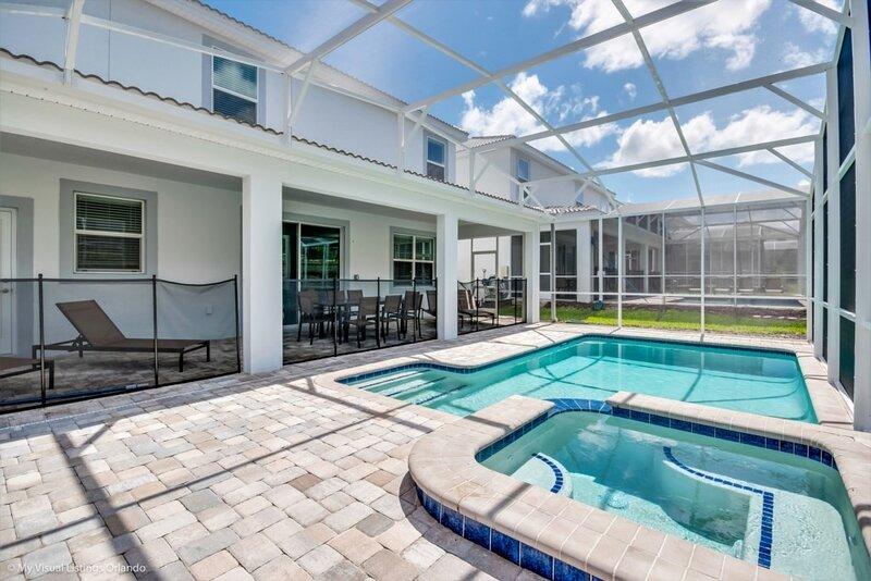 Water,Pool,Building,Hot Tub,Tub
