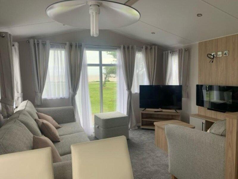Luxury 6 berth caravan with sea views for hire in Suffolk ref 68016BS, location de vacances à Barnby
