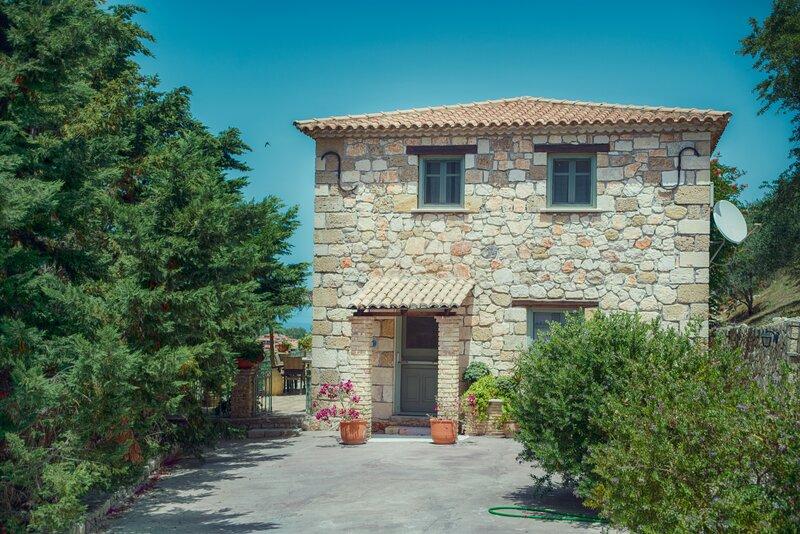 Harrys Villa - Armonia Complex, location de vacances à Ano Vasilikos