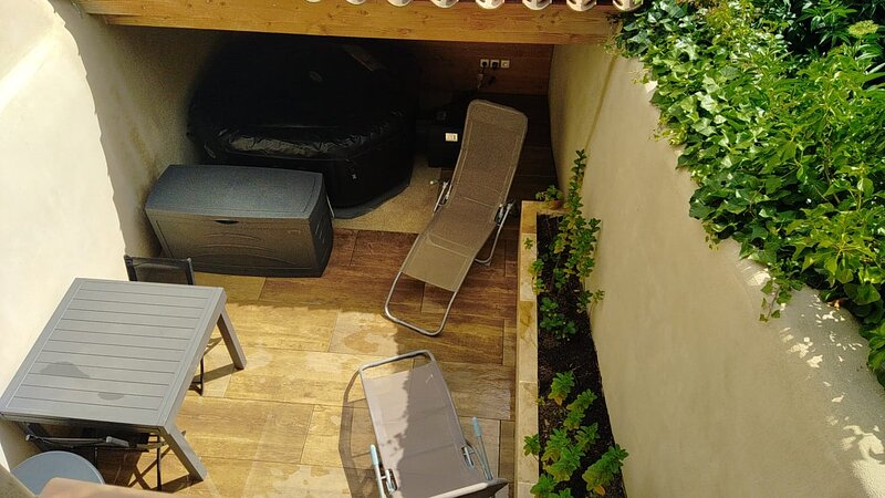 Maison jacuzzi Au petit nid d'Analice, holiday rental in Villedubert
