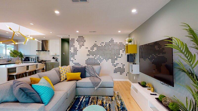 * Marbella Lane - SJ Designer Home   3BR   Ldry+P, casa vacanza a Santa Clara