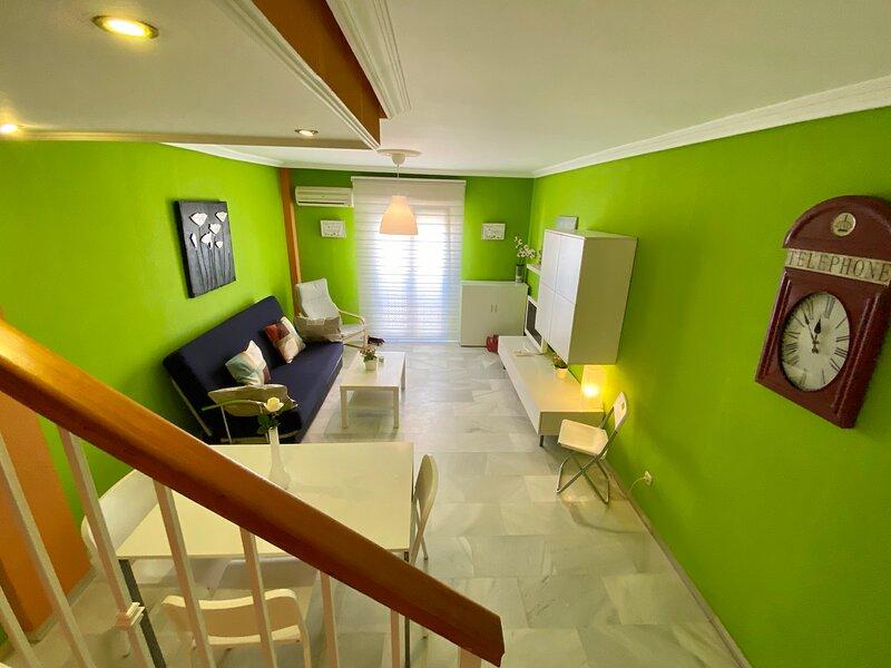 Apartamento de 90m2 en Tarifa. Dúplex-Ático, holiday rental in Tarifa