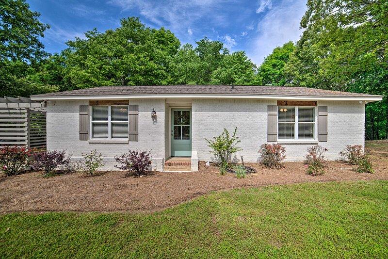NEW! Charming Cottage ~2 Miles to Ole Miss Campus!, location de vacances à Taylor