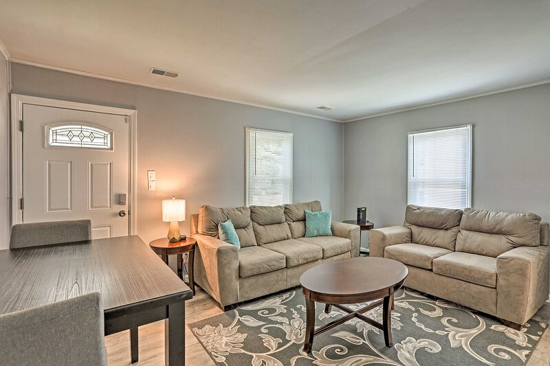 NEW! Cozy Harper Woods Home w/ Yard, 12 Mi to Dtwn, vacation rental in Grosse Pointe Shores
