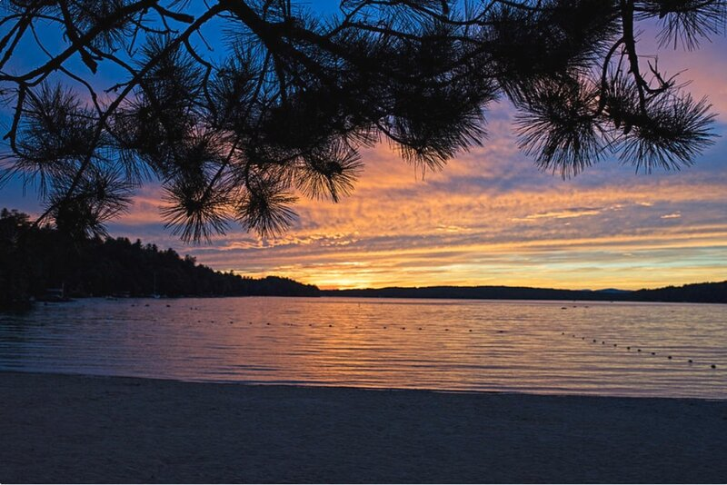 01-2 Castle in the Clouds (max 8) 5 min walk to Bay-FREE BIKES KAYAKS WOOD, WIFI, holiday rental in Ossipee
