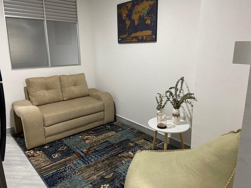 Cómodo, Moderno y Nuevo aparta estudio en SABANETA, Ubicación Ideal., casa vacanza a Sabaneta