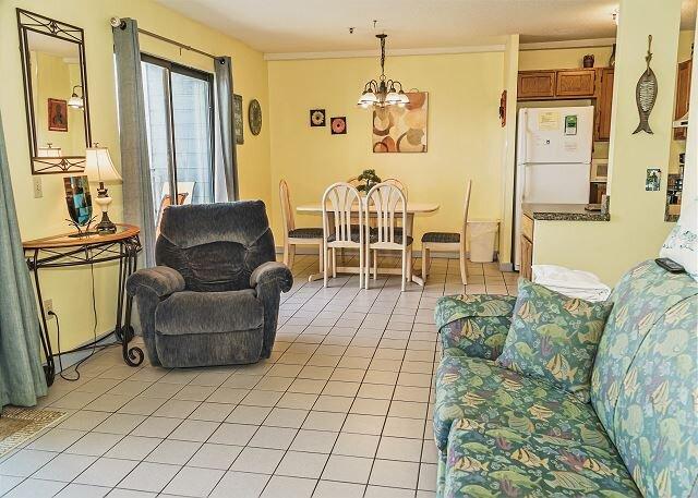 Myrtle Beach Resort B346 | Delightful Condo Overlooking Indoor Pool, holiday rental in Socastee