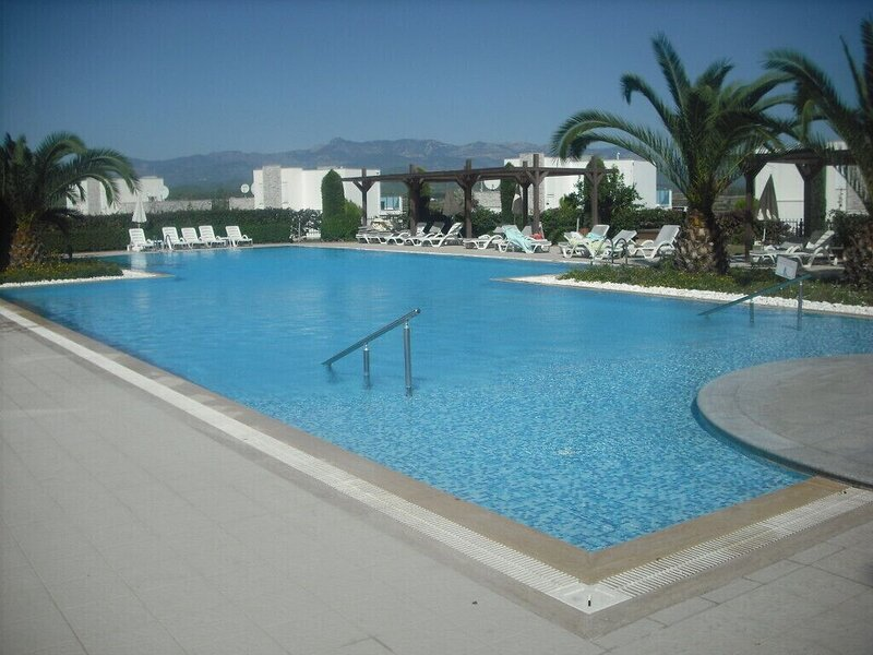 Spring F5, delightful 2 bed home within a beautifully laid out gated community, holiday rental in Evrenseki