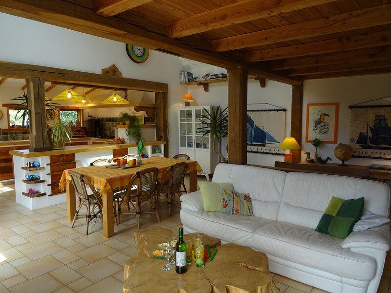 Gite Ti Coco, maison bois toute proche de leau, location de vacances à Plouguerneau