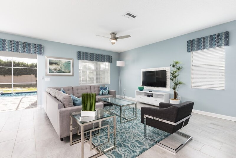 Furniture,Indoors,Rug,Room,Living Room