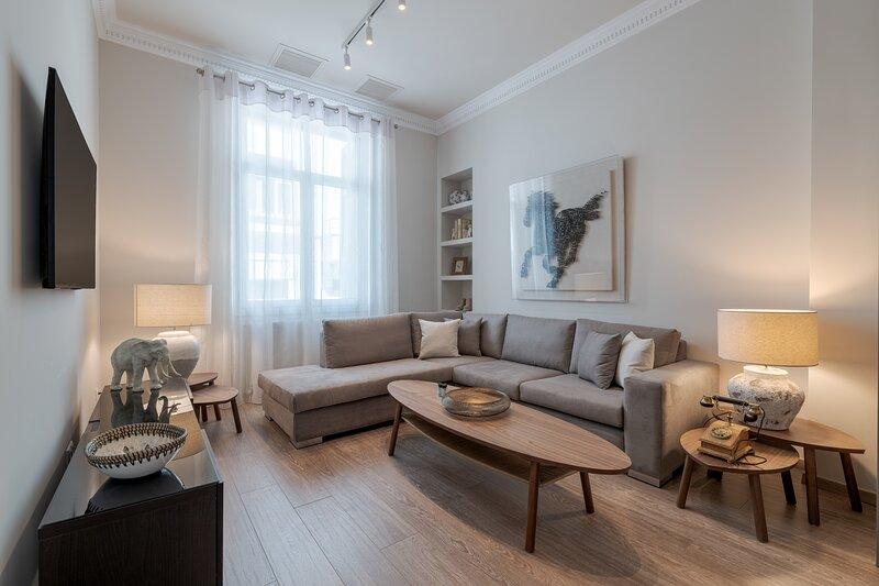 ★ Historic Plaka's Deluxe Apartment★, alquiler de vacaciones en Atenas