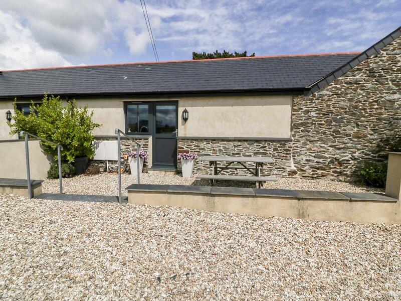 TREVENNA STABLES, ground floor accommodation, en-suite, open-plan living, Ref, location de vacances à Treworga