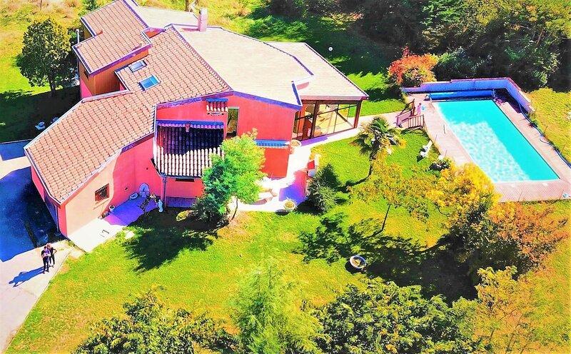 logement 90M2. Campagne 25 KM TOULOUSE, location de vacances à Rieux-Volvestre