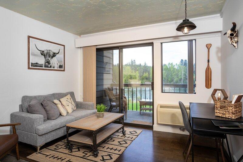 Flathead Valley - BF - Marina Cay 254, holiday rental in Woods Bay