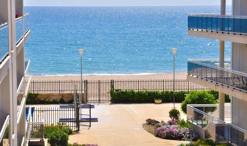 Alquiler apartamento Montroig Primera línea playa - Vistas al Mar., holiday rental in Montroig