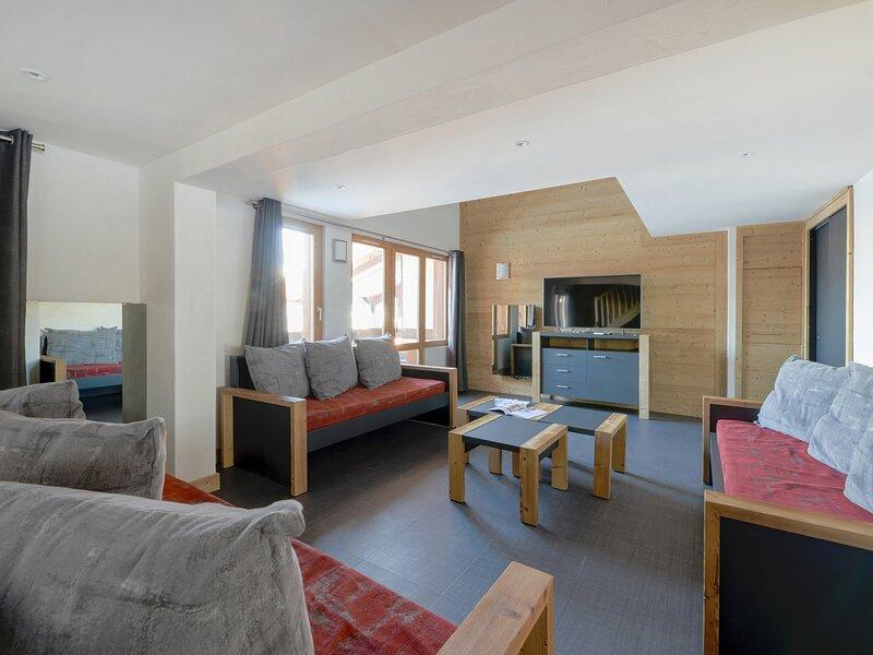 Appartement duplex 7 pièces dans une station familiale au pied des pistes, holiday rental in Les Coches