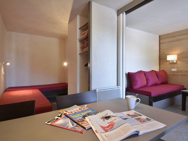 Studio divisible rénové pour 4 personnes de 28 m² au pied des pistes, holiday rental in Plagne Bellecote