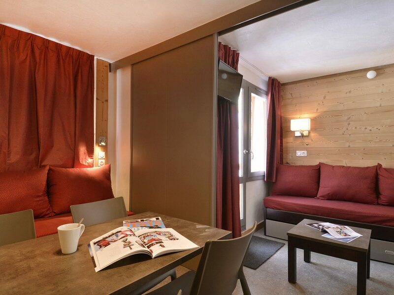 Studio divisible de  22m² pour 4 personnes récemment rénové, au coeur de la, vacation rental in Belle Plagne