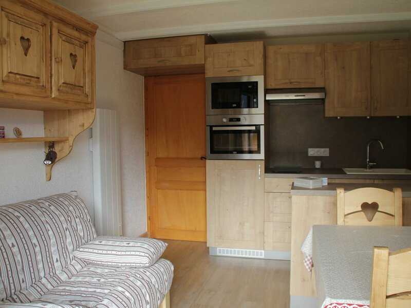 Studio coin nuit 3/4 personnes, holiday rental in Torgon