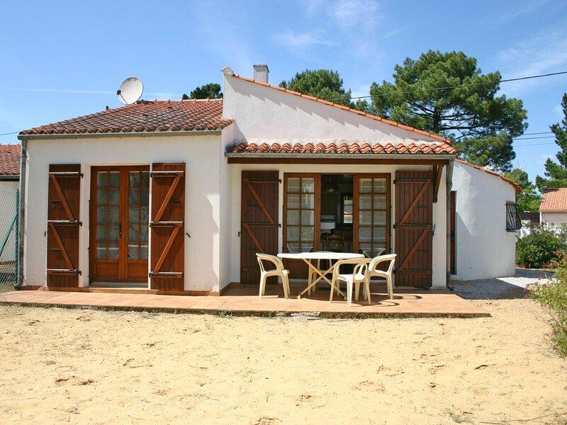 MAISON SITUEE A LA TERRIERE A PROXIMITE DE LA FORET DOMANIALE, vacation rental in La Tranche sur Mer