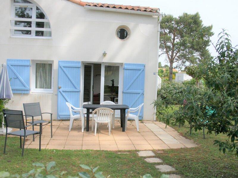 MAISON EN RESIDENCE AVEC PISCINE, holiday rental in La Tranche sur Mer