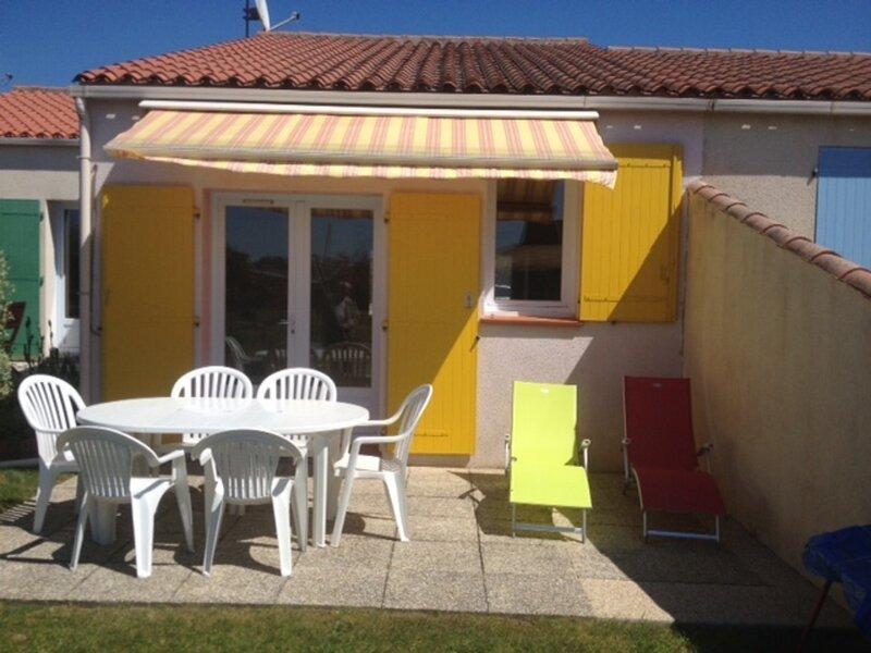 PETITE RESIDENCE CALME - 600M DE LA GRANDE PLAGE DES DUNES, holiday rental in Vaire