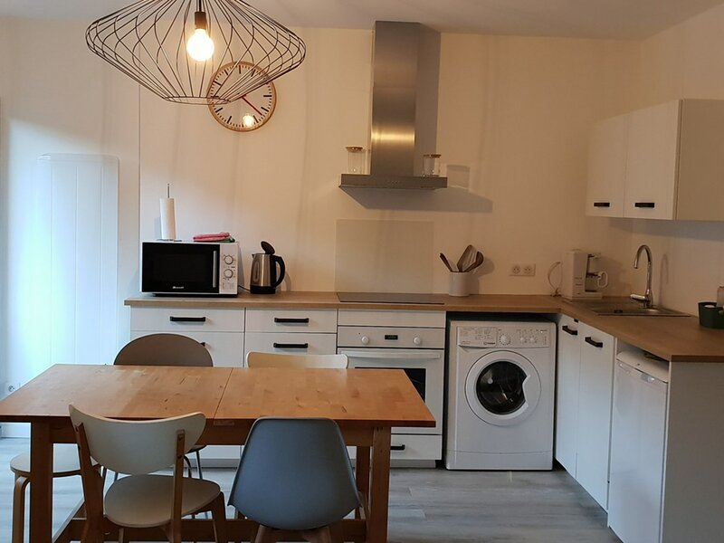 Appartement T1bis 4 personnes, holiday rental in Estaing