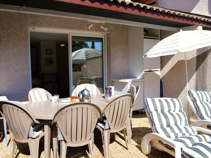 Appartement 2 pièces 4 couchages LE LAVANDOU, holiday rental in Cavaliere