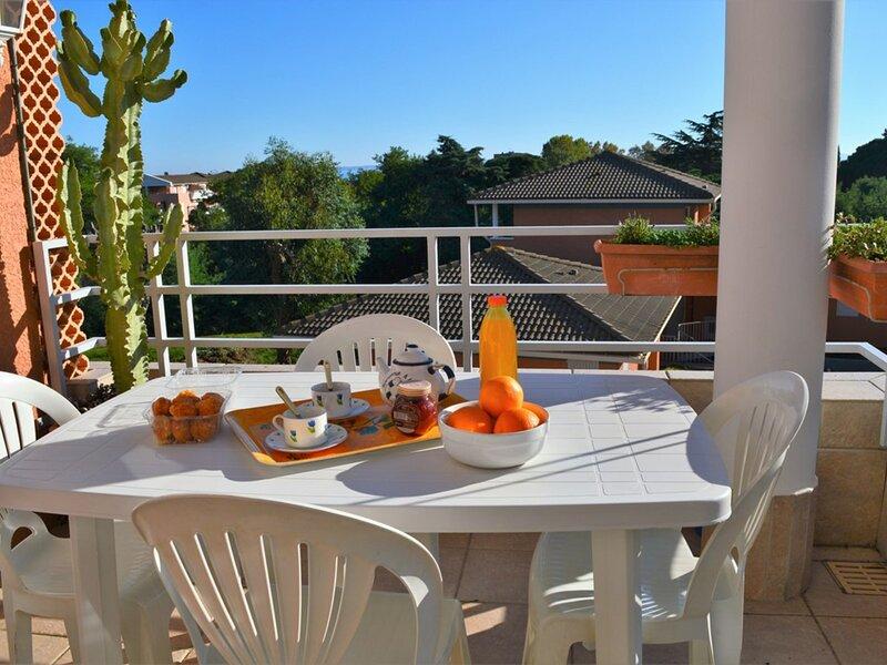Appartement 4 pièces 6 couchages LE LAVANDOU, holiday rental in Cavaliere
