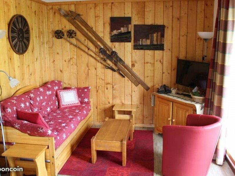 Appartement avec vue sur le Massif de la Vanoise 4/6 personnes, holiday rental in Modane