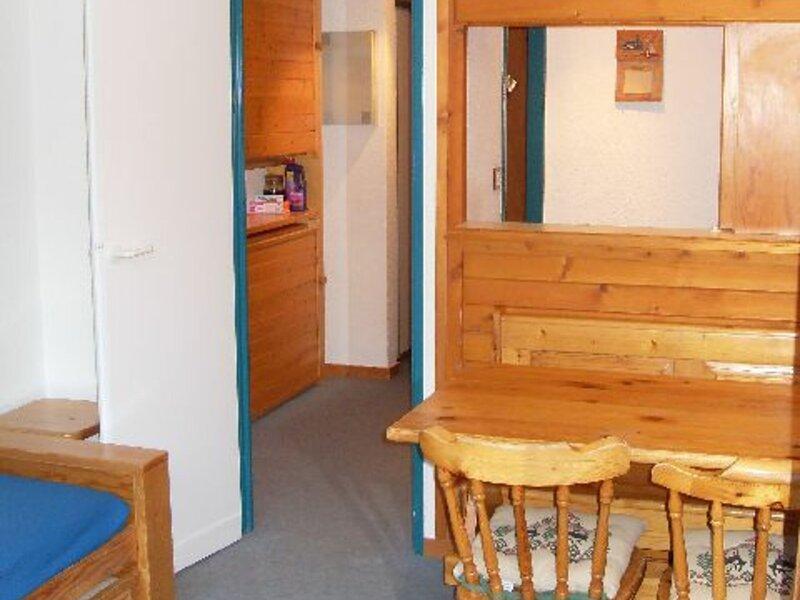 studio 4 personnes en plein coeur station 19m², holiday rental in Modane