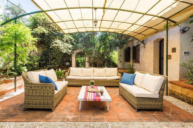 Villa del Rais by Wonderful Italy, holiday rental in Punta Raisi
