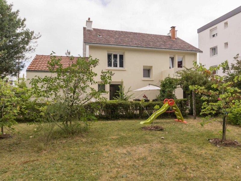 Une Maison en ville, holiday rental in Vigneux-de-Bretagne