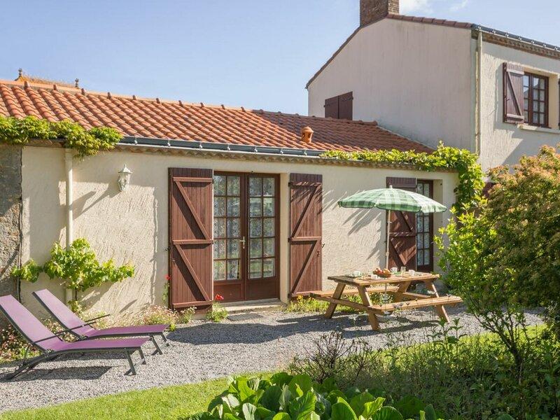 Le Gîte de Launay, holiday rental in Vue