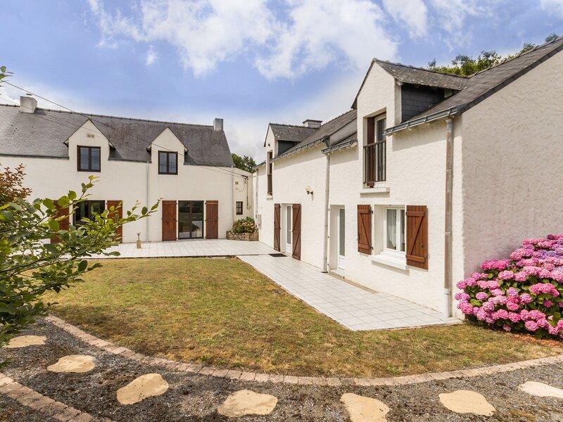 Le Haut Rotz, vacation rental in Saint-Gildas-des-Bois